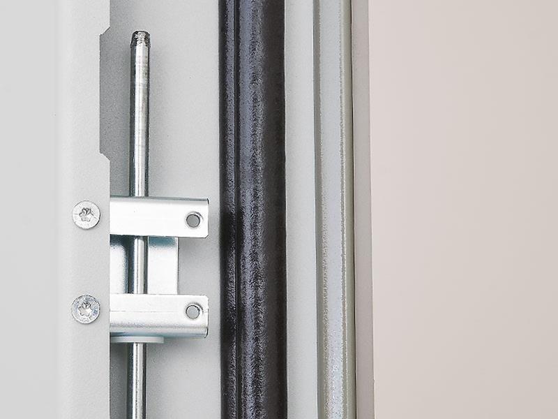 Triton  Szafa rack 19 stojąca RDE-42-A66-CCX-A1 (42U 600x600mm przeszklone drzwi kolor jasnoszary RAL7035 klasa szczelności IP54 udźwig 1500 kg adapter do montażu klimatyzacji)